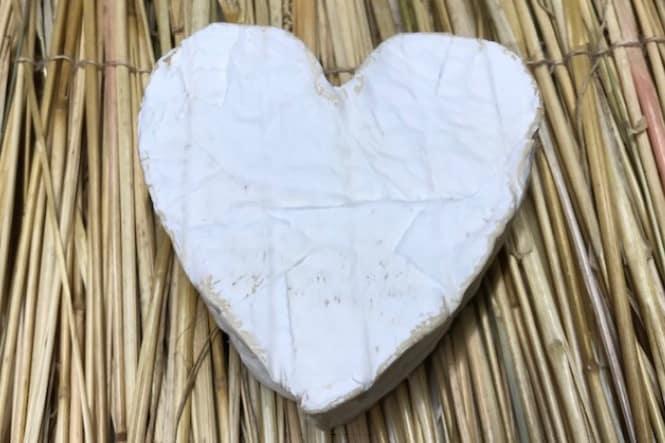 Ugens ost: Coeur de neufchatel